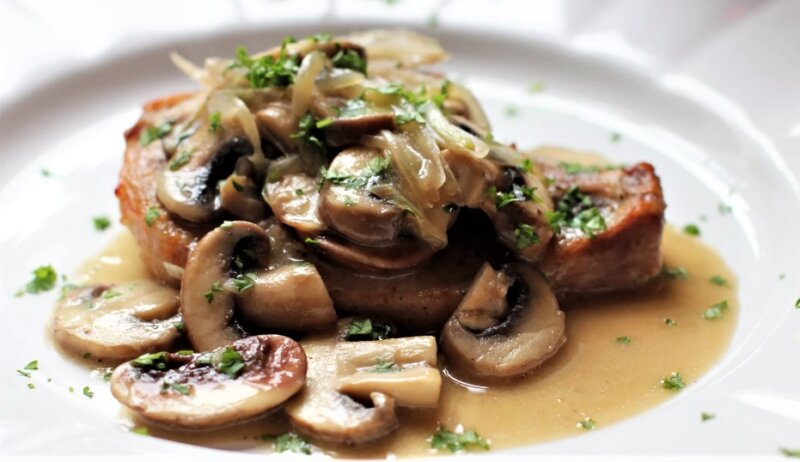 грибы со свининой