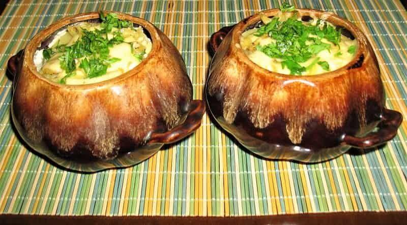 капуста с мясом в горшочках