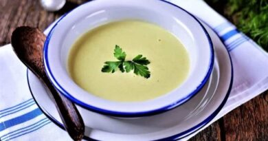 суп-пюре в тарелке