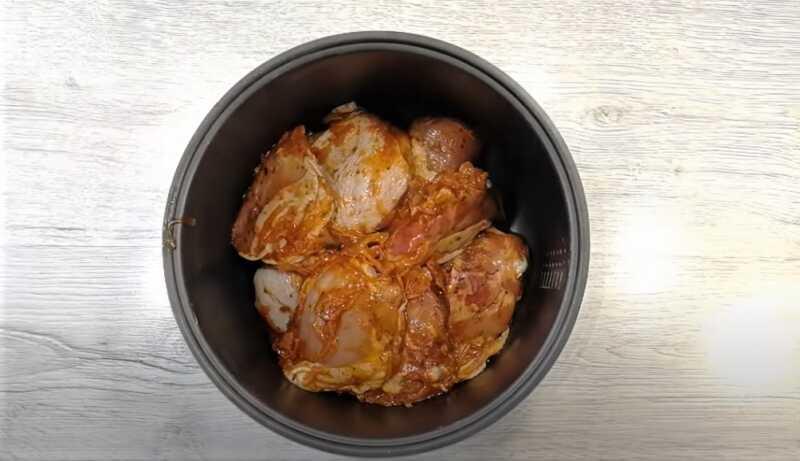 чаша мультиварки с мясом
