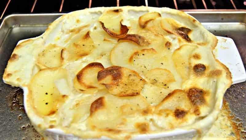 форма для выпечки с картофелем