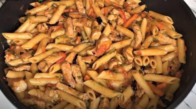 макароны без ваорки с мясом на сковороде