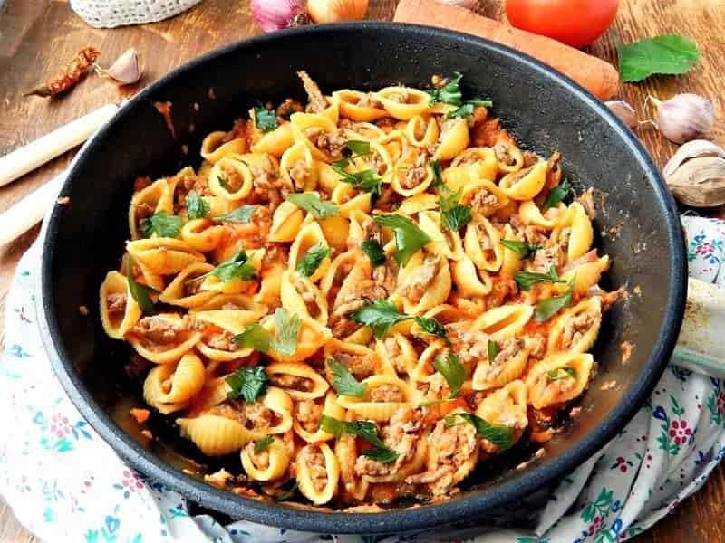 макароны в сковороде