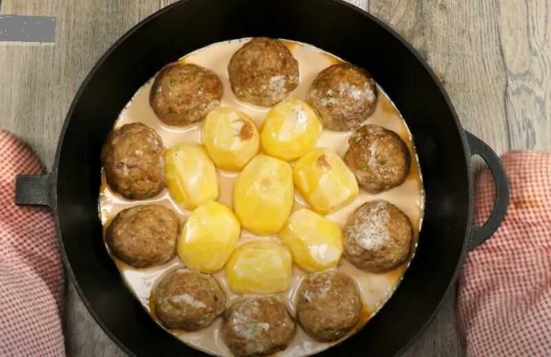 картошка с тефтелями в соусе