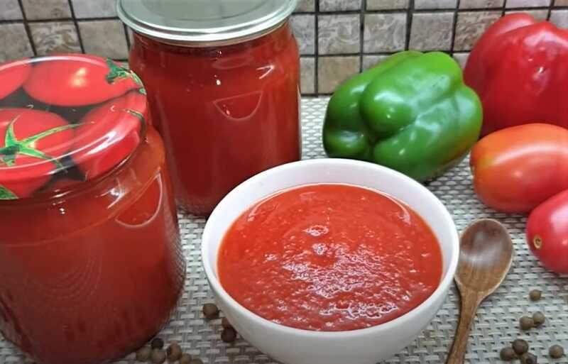 соус томатный в чашке