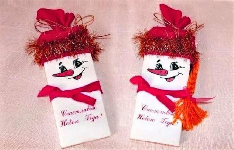 снеговики с мишурой на шоколадке