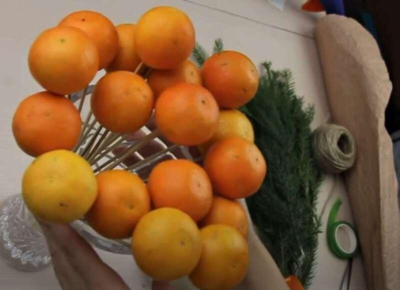 мандарины на шпажках
