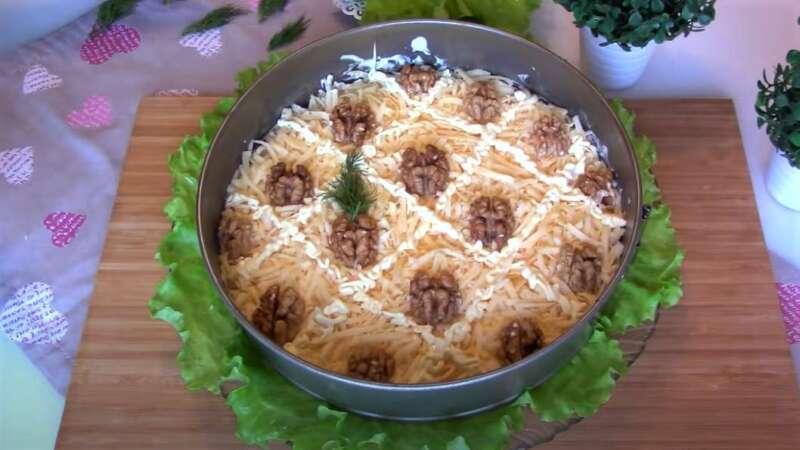 салат на новый год Ананас