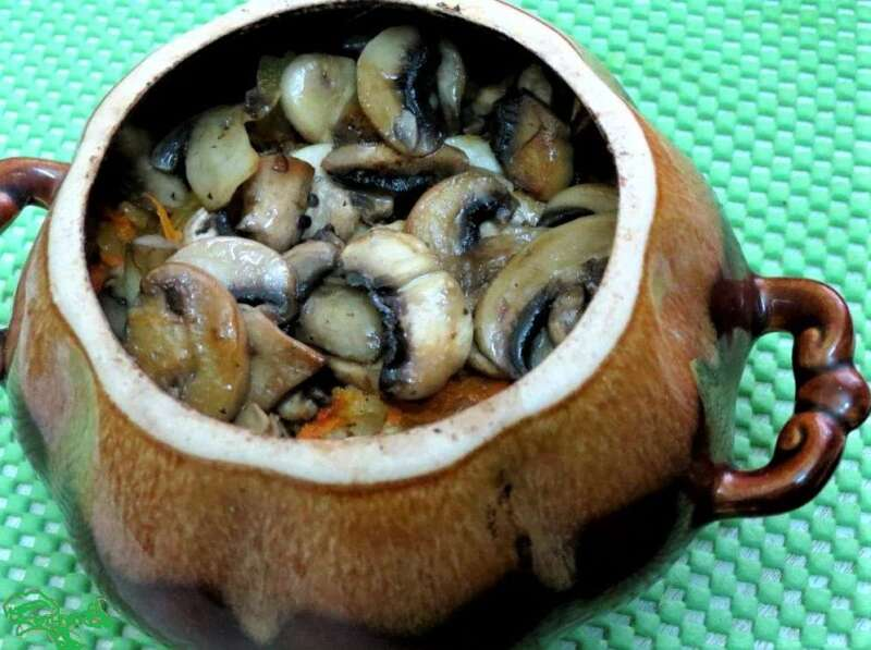 грибы с мясом и картошкой в горшочке