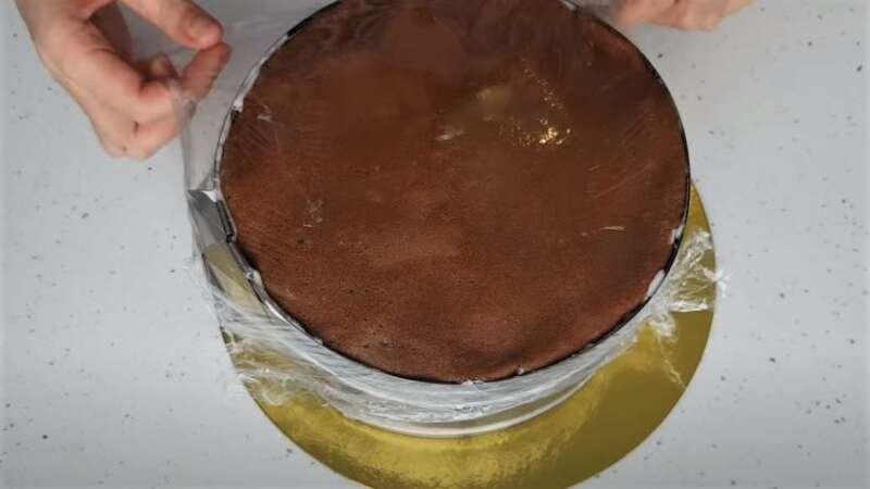 блин сверху торта