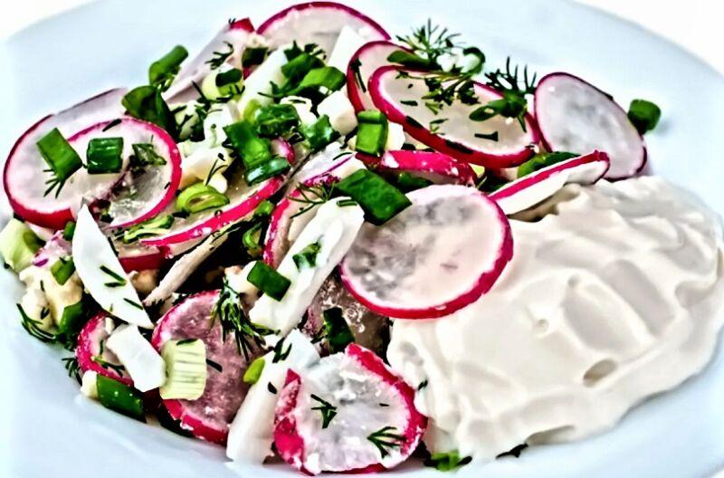 салат с редиской и сметаной