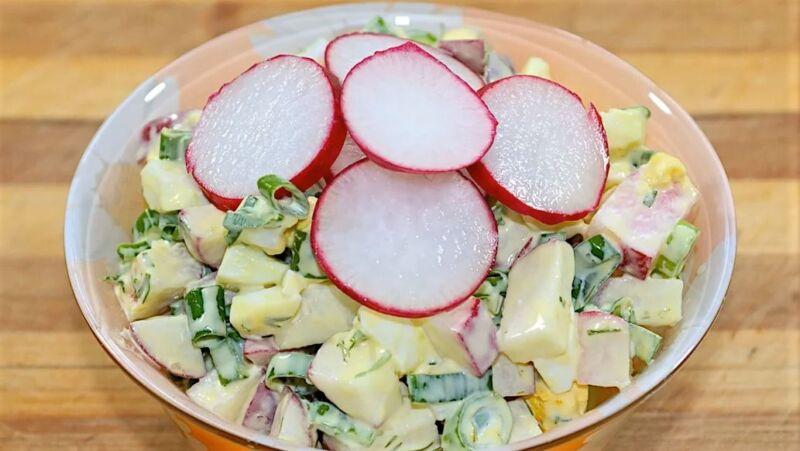 салат из редиски и картофеля