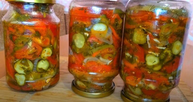 салат из огурцов и помидор в 1 литровых банках