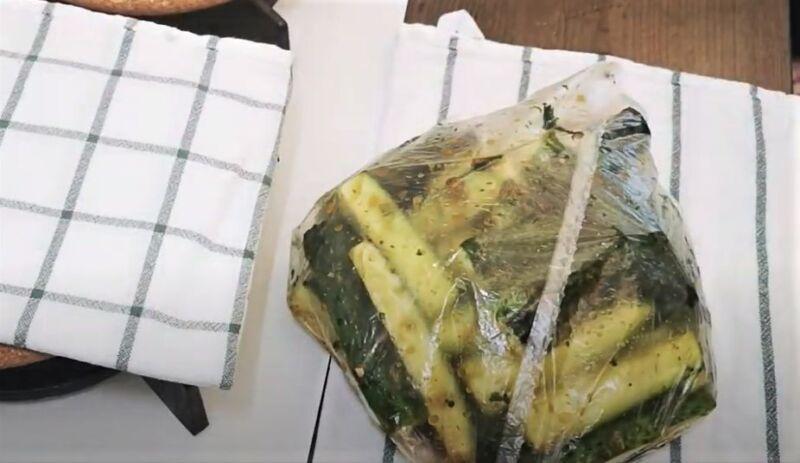 огурцы в пакете с маринадом