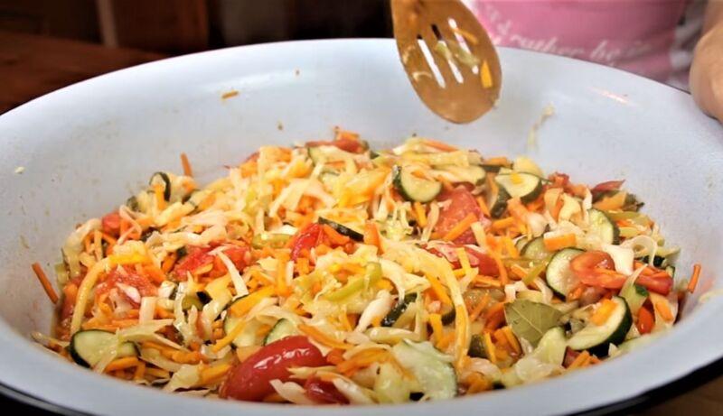 варка овощей в тазу