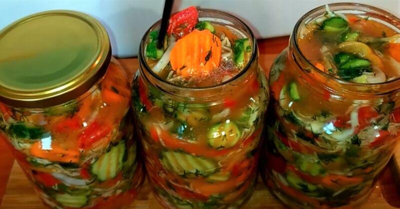 смесь из овощей в банках