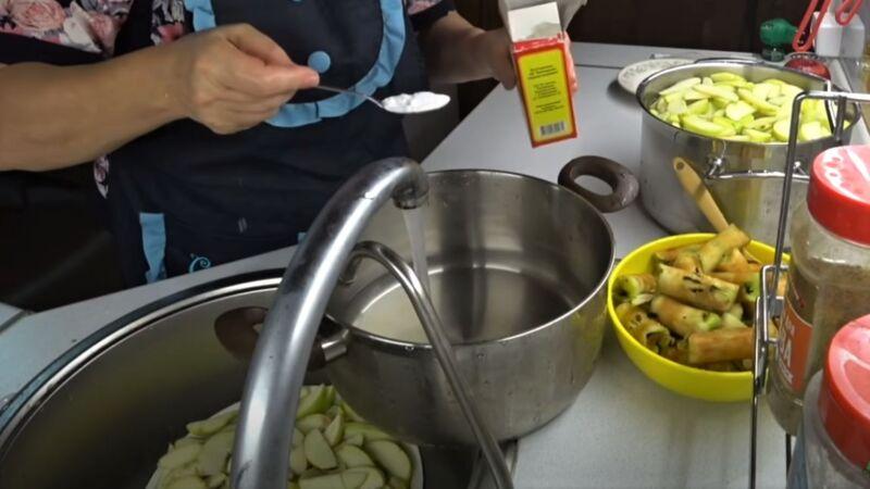 промывка долек яблок