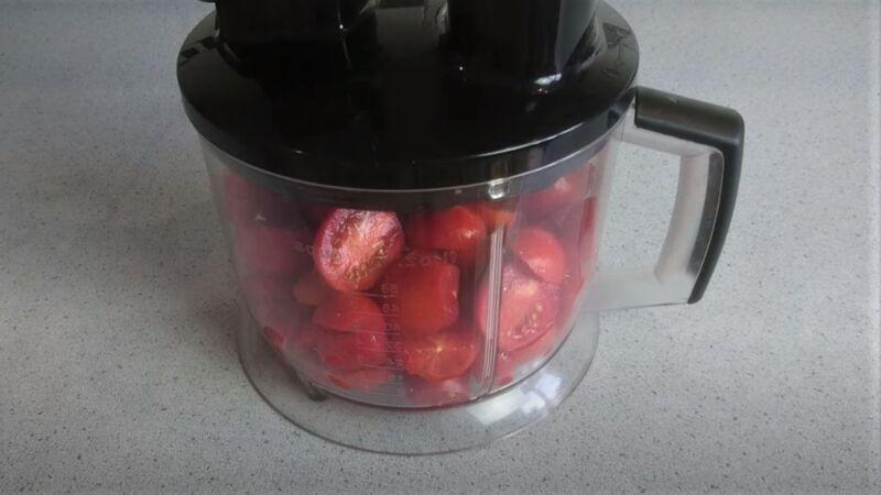 блендер с помидорами