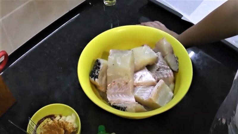 кусочки щуки в чашке - как приготовить щуку
