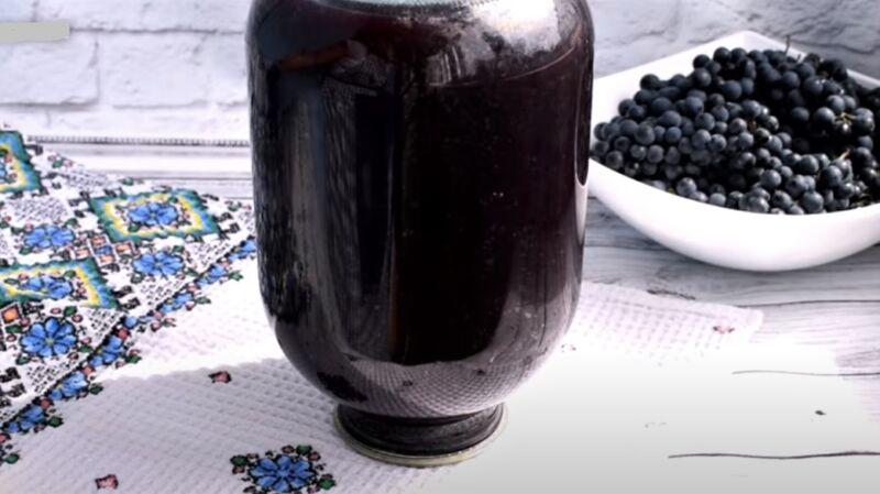банка с виноградным соком - рецепт винограда на зиму